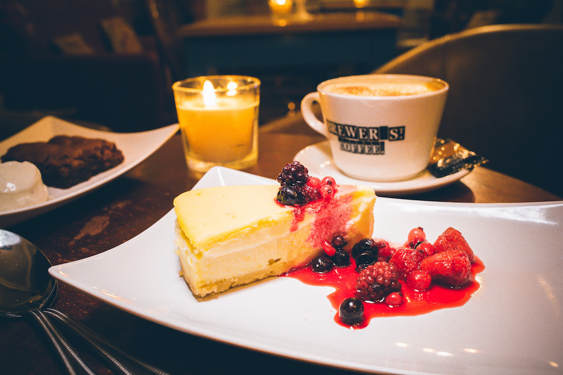 Baked New York Cheesecake, summer berry compote